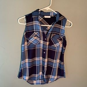New York & Company Sleeveless Button Down Plaid
